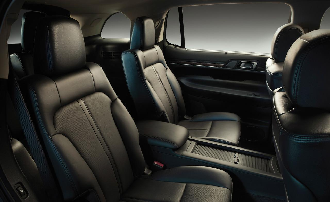 Chicago Limo Service - Lincoln MKT up to 3 passengers - interior
