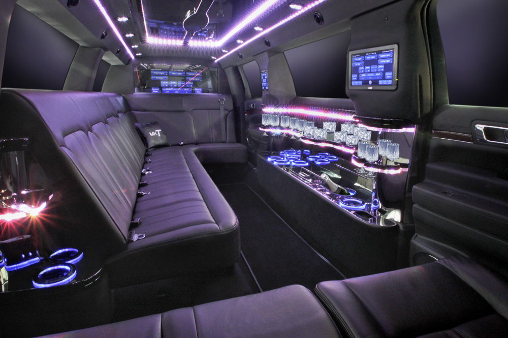 Chicago Limo Service - Lincoln MKT 8 passenger limousines - interior