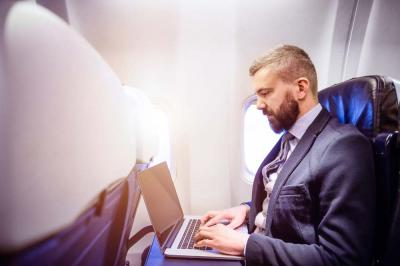 5 Ways Entrepreneurs Can Stay Productive on an Airplane